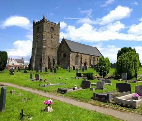 ratby-church-from-grave-yard