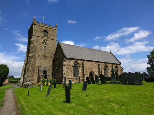 ratby-church-north-side-from-grave-yard
