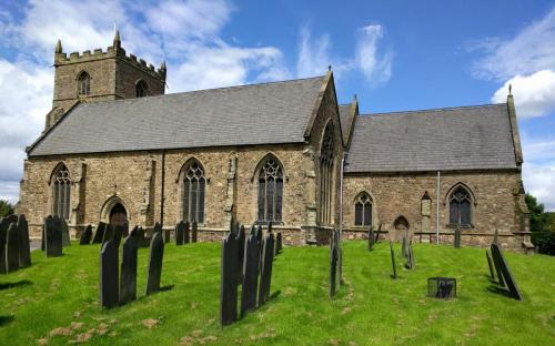 ratby-church-north-side-in-the-sun